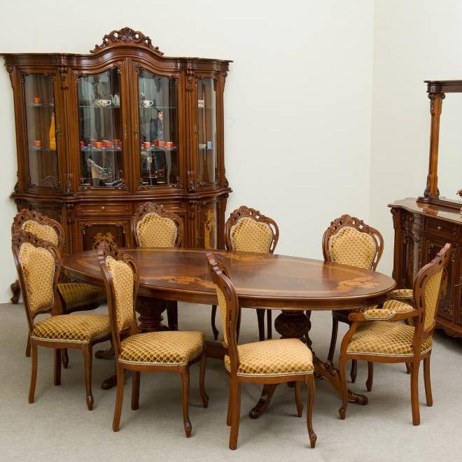 Szobabútorok / Faragott és intarziás barokk bútorok